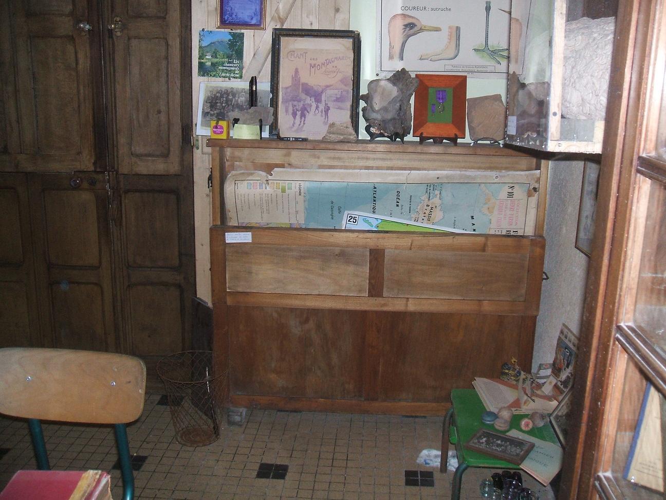 """l`ecole musée """"Hommes`Ages"""" 2008  12"""